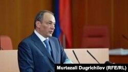 Daghestan's President Magomedsalam Magomedov addresses parliament in June.