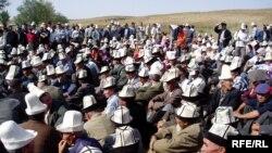 Кыргызстанда жердешчилик маселеси кээде шайлоо алдындагы жолугушууларда да алдыңкы орунга чыгаары айтылууда.