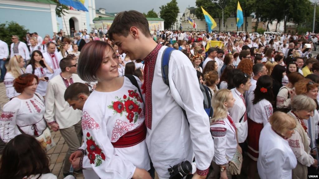Мегамарш у вишиванках у Києві. 28 травня 2016 року 54a7f0c9a707b