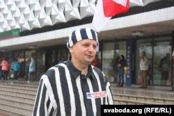 Григорій Грик під час пікету у Барановичах, 22 липня 2016 року