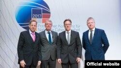 Учасники конференції безпеки у Потсдамі (Фото: Інститут імені Гассо-Платтнера)