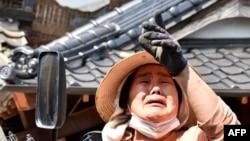 Після першого землетрусу на півдні Японії, фото 15 квітня 2016 року