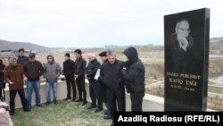 Rafiq Tağının məzarı