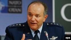 АҚШ әскери-әуе күштерінің генералы, НАТО бас қолбасшысы Филип Бридлав.