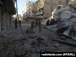 Будинки в Алеппо, зруйновані внаслідок бомбардувань сирійської та російської авіації. Жовтень 2016 року