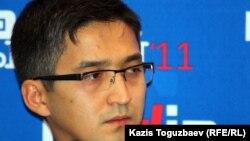 Болат Берсебаев в бытность председателем комитета информации и архивов министерства связи и информации Казахстана.