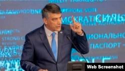 Председатель центрального совета партии «Миллий тикланиш» Алишер Кодиров.