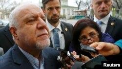 زنگنه میگوید ایران مسئولیتی در بیثبات کردن بازار نفت نداشته است