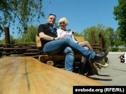 Зьміцер Палойка з жонкай Вітай падчас наведваньня Славянску