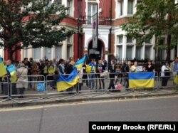 Акция против войны на Украине – около посольства России в Великобритании (Лондон, 21 сентября 2014 года)