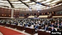 VI çağırış Azərbaycan Respublikası Milli Məclisinin ilk iclası