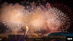 Сочи олимпиадасының ашылу салтанатының бір сәті. Ресей, 7 ақпан 2014 жыл.