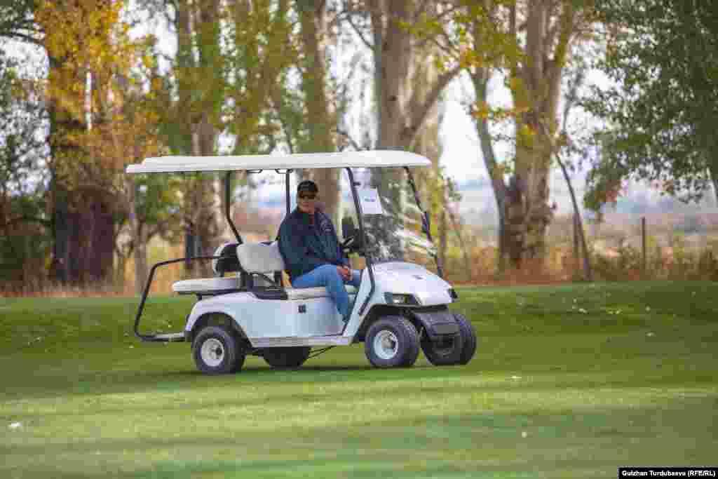 Основатель гольф-клуба в Кыргызстане Эд Майлс. Он приехал в Кыргызстан в 2000 году.