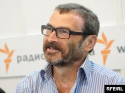 Аркадий Дубнов, таҳлилгари рус