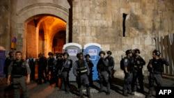 Izraelske snage pred ulazom u džamiju al-Aksa u Jerusalimu, ilustracija