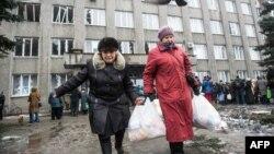 Уруштан качкан украиналыктар. Дебальцево, 6-февраль, 2015-жыл.