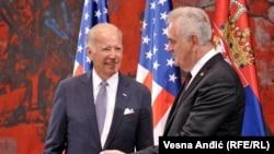 Bajden sa predsednikom Srbije Tomislavom Nikolićem