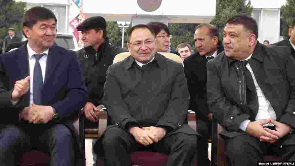 Uzbekistan / Kyrgyzstan - October 26 Uzbek delegation consisting of 140 people came to the city of Osh.