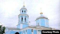 Казандагы Тихвин чиркәвендә хезмәтләр татарча бара