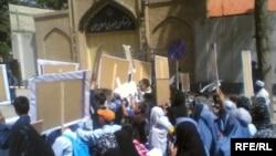 کنسولگری ایران در هرات در چند روز گذشته دو بار شاهد اعتراض شهروندان افغانستان بوده است