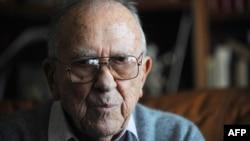 Бывший генеральный секретарь Компартии Испании Сантьяго Каррильо