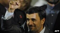 Президент Ирана Махмуд Ахмадинежад по прибытии в Венесуэлу