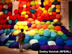 Инсталляция Шилы Хикс в Павильоне красок