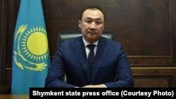 Нурлан Сауранбаев в бытность акимом Шымкента.