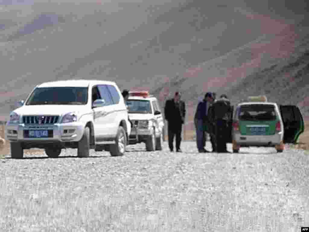 Китайская полиция не пропускает журналистов в Тибет. 17 марта 2008