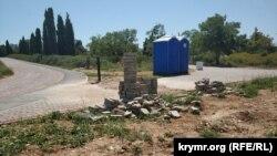 На территории парка Победы довольно много недоделок. Севастополь, август 2019 года