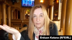 Tanja Topić, novinarka i politička analitičarka, naučna je saradnica Fondacije FridrihFriedrich-Ebert-Stiftung u Banjaluci