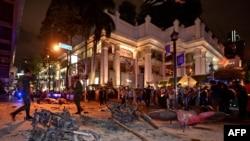На месте взрыва в Бангкоке (17 августа 2015 года)