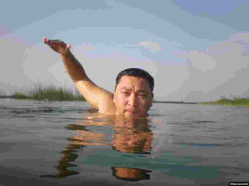 Соревнование по плаванию. Прислал Рахат Ахмет.