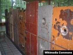 Музэй акупацыі ў Таліне. Турэмныя дзьверы