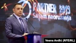 Ministri i Mbrojtjes i Serbisë, Aleksandar Vulin