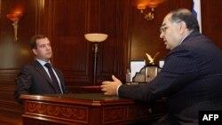 Дмитрий Медведев и Алишер Усманов, архивное фото