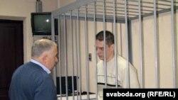 Уладзімер Мальцаў разам з адвакатам з Дзьмітрыем Гарачкам