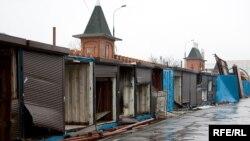 От рынков в России порой остаются лишь развалины