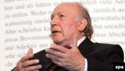 Имре Кертес в 2007 году