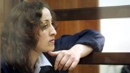 Зара Муртазалиева в Московском городском суде, 17 января 2005 года