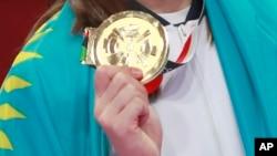 Золотая медаль Азиатских игр в Индонезии.
