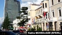 В консульстве Турции в Батуми журналистам сообщили, что новая школа была построена на средства турецкого бизнесмена и мецената