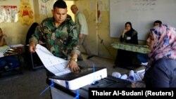 Вибори в Іраці. На фото: силовики голосують достроково, Багдад, 10 травня 2018 року