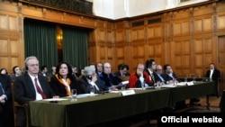 Членовите на грчкиот правен тим во Меѓународниот суд на правдата