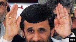Иранский президент уверен, что идти на уступки в обостряющемся противостоянии с остальным миром придется не ему