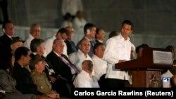 Predsednik Meksika Enrike Penja Nieto na komemoraciji Fidelu Kastru u Havani