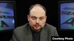 Kremlin critic Vladimir Kara-Murza (file photo)