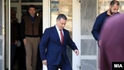 Поранешниот премиер Никола Груевски излегува од судница по одложено рочиште за предметот во кој беше обвинет Траекторија, архивска фотографија