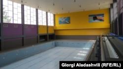 Спортзалы, фитнес-центры и плавательные бассейны в Грузии закрылись еще в марте