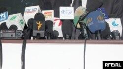 مایار: تعداد زیاد خبرنگاران وظیفه خود را ترک کردهاند.